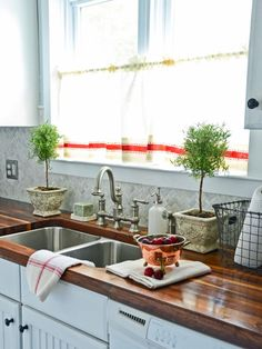 Kitchen countertop decor design ideas 35 fresh and modern farmhouse kitchen decorate kitchen counters kitchen design ibhalo kitchen counter decor ideas you ll wantHow To Decorate Kitchen Counters Pictures IdeasEasy. Modern Kitchen Counters, Cheap Kitchen Countertops, Kitchen Island Decor, Wood Countertops, Countertop Materials, Butcher Block Countertops Cost, Bathroom Countertops, Butcher Blocks, Hgtv Kitchens