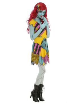 I'm going as Sally from the Nightmare Before Christmas for Halloween! Thank you Hot Topic for having the costume! Adornos Halloween, Halloween Disfraces, Halloween Kostüm, Halloween Cosplay, Halloween Photos, Couple Halloween, Dress Up Costumes, Cosplay Dress, Disney Costumes