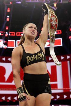 Ronda Rousey Hot, Ronda Jean Rousey, Female Mma Fighters, Female Fighter, Wwe Female Wrestlers, Female Athletes, Ronda Rousey Photoshoot, Rounda Rousey, Amazon Girl
