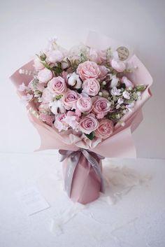 Flower Bouqet, Beautiful Bouquet Of Flowers, Beautiful Flower Arrangements, Floral Bouquets, Floral Arrangements, Gift Bouquet, Hand Bouquet, Shabby Flowers, Pink Flowers