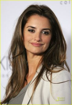 Penelope Cruz, such gorg hair.