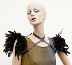 Inspiration feather shoulders