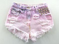 Pink Baby Doll Vintage Denim Shorts - from Knee Deep Denim Diy Jeans, Diy Ripped Jeans, Dip Dye Shorts, Diy Shorts, Diy Fashion, Ideias Fashion, Fashion Outfits, Fashion Clothes, Vintage Denim