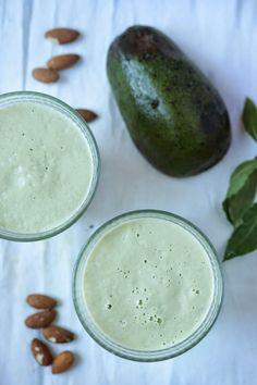 jadłonomia · roślinne przepisy: Marokański koktajl z awokado Smoothie Drinks, Smoothies, Best Juicer, Blenders, Raw Food Recipes, Cucumber, Recipies, Beverages, Vegan