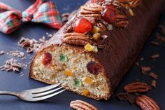První trénink na vánoční pečení. Biskupský chlebíček je plný kandovaného ovoce, pekanových ořechů a připravený ze špaldové mouky. Meatloaf, Banana Bread, Cooking Recipes, Menu, Fit, Christmas, Menu Board Design, Xmas, Shape
