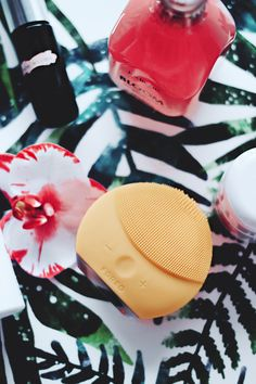 Foreo Luna Mini 2 Cleansing Device Sunflower Yellow; Aimerose Blog Review