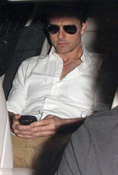 Tom Cruise Photos - Tom Cruise Leaves Dinner 2 - Zimbio