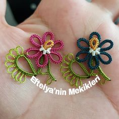 ༺✿༻Tatting Lace༺✿༻ Another order. I thought I& take your model. Let me stand in front of my eye until it stops in my mind😉 # likeforlikes # likef. Needle Tatting, Tatting Lace, Kutch Work, Stylish Mens Fashion, Tatting Patterns, Knitting Stitches, Crochet Flowers, Balloons, Miniature