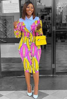4 idées de ténues Wax décontracté chic – chretienne-en-beaute Couples African Outfits, African Attire, African Wear, Latest African Fashion Dresses, African Print Dresses, African Print Fashion, Modern African Dress Designs, Trendy Ankara Styles, Ankara Dress