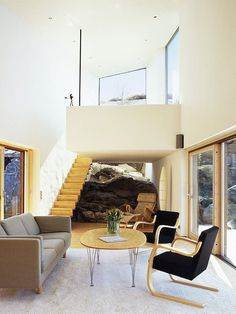 house,on,the,cliff,  carved,into,the,solid,rock