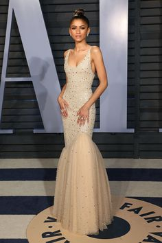 These are the best red carpet looks of 2018 - without a doubtThese are the best red carpet looks of 2018 - hands down - designerzcentralZenSlaya: 10 times Zendaya Set the red carpet on fireAt the Vanity Fair Oscar Party Zendaya Dress, Zendaya Outfits, Zendaya Fashion, Mode Zendaya, Zendaya Style, Looks Party, Prom Looks, Tulle Prom Dress, Mermaid Prom Dresses