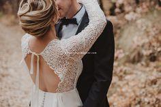 Mariage/Automne Photographe professionnelle Celine, Lace Wedding, Wedding Dresses, Photos, Fashion, Professional Photographer, Photography, Fashion Styles, Bride Dresses