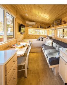 Best Tiny House, Tiny House Cabin, Tiny House Living, Tiny House Plans, Tiny House On Wheels, Tiny House Design, Small Living, Home Living Room, Tiny Little Houses