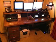 Completed Desk with Equipment Woodworking Mallet, Woodworking Desk Plans, Woodworking Patterns, Tent Platform, Best Islamic Images, Projects, Radios, Ham Radio Equipment, Smart Office
