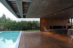 indoor + outdoor living // Casa-FF-by-Fritz+Fritz-arquitectos