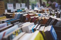 Where to Sell Your Stuff for Top Dollar ‒ Money Talks News Used Books, Books To Read, My Books, Flip Paraty, Starting A Coffee Shop, How To Read More, Where To Sell, Summer Reading Lists, Book Signing