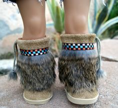 Items similar to Handcrafted Native Indian Mukluks Tan Suede White Rabbit Fur boots for American Girl Doll on Etsy American Girl Doll Shoes, American Girl Clothes, American Girls, Native American, Ag Dolls, Girl Dolls, Doll Shoe Patterns, Native Indian, Indian Art