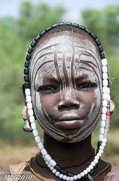 Africa | Mursi tribe. Omo Valley, Ethiopia | ©Manuel Lopez