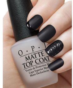 Czarny manicure - elegancki i frapujący. 20 super pomysłów na czarne paznokcie - Strona 19