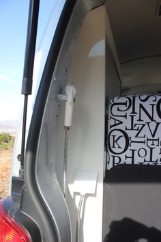 Ducha exterior volkswagen multivan. www.furgoplon.com Volkswagen, Bathtub, Doors, Bathroom, Vehicles, Car, Exterior, Van, Rain Shower Heads