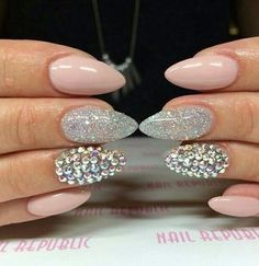 Bild über We Heart It https://weheartit.com/entry/164436911 #amazing #glitter #grey #pink