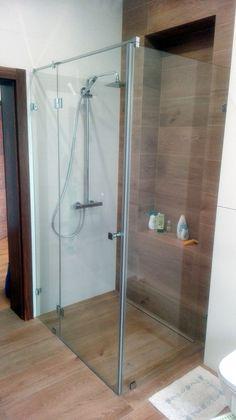 DUBIEL GLASS Kraków – kabiny prysznicowe | realizacje Modern Bathrooms, Glass, Drinkware, Modern Contemporary Bathrooms, Corning Glass, Modern Bathroom, Yuri, Modern Bathroom Design, Tumbler