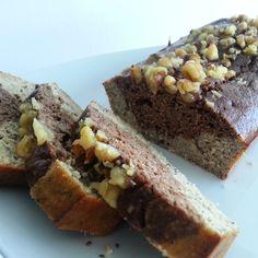Receta fácil y saludable para hacer un delicioso banana bread (bizcocho de plátano y avena). Es posible comer saludable sin dejar de comer rico.