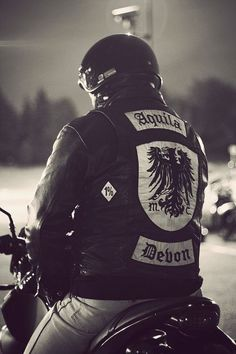 Biker Clubs, Motorcycle Clubs, Biker Gangs, Bike Leathers, British Motorcycles, Biker Chic, Color Club, Rocker Style, Bobber