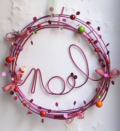 Christmas crafts: decorations to do with children - DIY Christmas Decorations Noel Christmas, Christmas Projects, Winter Christmas, All Things Christmas, Christmas Ornaments, Xmas Wreaths, Christmas Decorations, Theme Noel, Diy Weihnachten