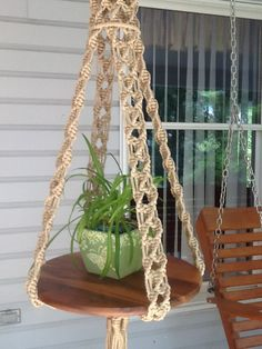Macrame hanging table in jute or off white colored 6 mm Poly, table not included, unique plant hanger, rustic wedding cake table - macramé 2019 Etsy Macrame, Macrame Art, Macrame Projects, Macrame Knots, Macrame Modern, Diy Projects To Make And Sell, Easy Diy Projects, Hanging Table, Hanging Plants