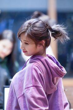 Twice - Sana Nayeon, Sana Cute, Sana Minatozaki, Twice Kpop, Twice Sana, K Pop Music, Lovely Smile, Dahyun, Dance The Night Away