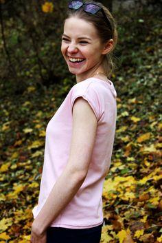 wri, różowa bluzka