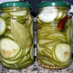 Rezept der Woche – Schlangengurke süß-sauer einlegen Hello my dears My uncle has a garden and grows vegetables himself. I often get the surplus there. This time there were some snake cucumbers that …