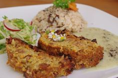 Čočkova sekana s hrozinky a povidly / lentil meatloaf Vegetable Recipes, Vegetarian Recipes, Healthy Cooking, Cooking Recipes, Cooking Light, Meatloaf, Lentils, Paleo, Food And Drink
