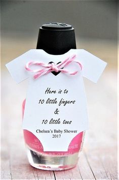 Here is to 10 little fingers & 10 little toes gift tags ~ Set of 10 tags ~ Here is to 10 little fingers & 10 little toes ~ Mani Gift ~ Nail Polish Baby Shower Party Favor ~ Personalized Tag ~ Baby Shower Onesie Than Regalo Baby Shower, Fiesta Baby Shower, Baby Shower Invitaciones, Baby Boy Shower, Girl Baby Showers, Baby Shower Prize, Cricut Baby Shower, Baby Shower Themes Neutral, Ballerina Baby Showers