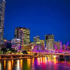 Have you seen the stunning Kurilpa Bridge? It's an extraordinary sight as it lights up different stunning colours like out beloved story bridge 😍🙌🏼 📸 Brisbane Cbd, Spring Hill, Have You Seen, Beautiful Landscapes, Light Up, New York Skyline, Skyscraper, Bridge, Vibrant