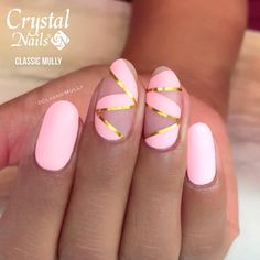 By @classicmully bello diseño usando royal gel. #crystalnails #crystalnailschile #nailart #nailswag #nailstagram #nailartclub…