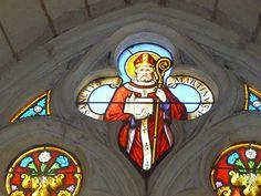 Eglise Saint-Martin à Maillé (37800) - Vitrail représentant saint Martin.