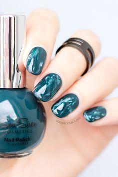 Green Marble Nails [Mani Monday]