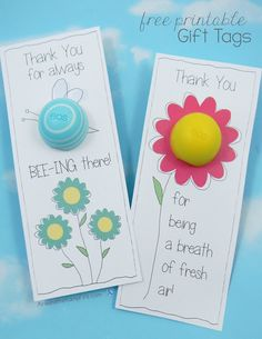gifts amigas Bee and Flower EOS Lip Balm FREE Printable Thank You Tags to thank your volunteers, staff, and teacher friends! Volunteer Gifts, Volunteer Appreciation, Teacher Appreciation Gifts, Teacher Gifts, Thank You Tags, Thank You Gifts, Free Printable Gift Tags, Free Printables, Gag Gifts