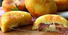 Bombs potatoes with ham and provolone quick recipe Greek Recipes, Quick Recipes, Wine Recipes, Italian Recipes, Cooking Recipes, Think Food, I Love Food, Good Food, Yummy Food