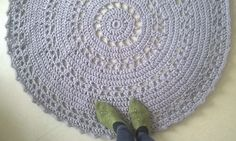 Virkattu matto Ø 115 cm