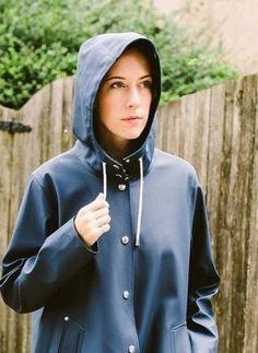 Rubber Raincoats, Rainy Day Fashion, Pvc Raincoat, Rain Coats, Raincoats For Women, Rain Wear, Rainy Days, Farmer, Dresses