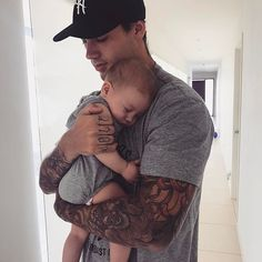 Find images and videos about boy, tattoo and baby on We Heart It - the app to get lost in what you love. Tammy Hembrow, Father And Baby, Baby Daddy, Family Goals, Family Love, Family Photo, Reece Hawkins, Cute Kids, Cute Babies