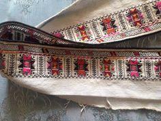 Везбени мотиви от поли на женска риза от Югоизточна България / Embroidered skirts of chemise from Southeast Bulgaria
