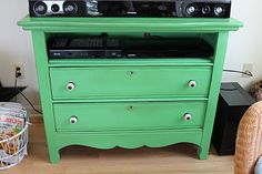 Cool idea to remove the top drawer to turn a dresser into a TV console.