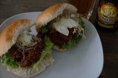 Sloppy Joe-b4men style! Sloppy Joe, Hamburger, Ethnic Recipes, Food, Style, Swag, Eten, Hamburgers, Meals