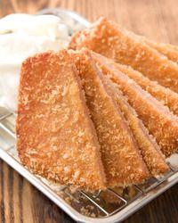 ぐるなび - えびす駄菓子バー :【名物メニュー】ハムカツ!!パンに挟んで食べてもグ〜!!