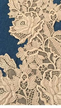 Victorian Lace, Antique Lace, Gold Lace Fabric, Linens And Lace, African Fabric, Sewing Hacks, Venetian, Venice, 2d