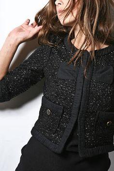 Chanel chaqueta negra brillo tipica chanel